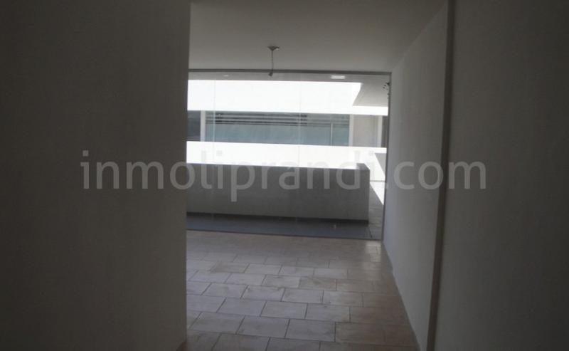 Foto Oficina en Venta en  Alberdi,  Cordoba  PARAGUAY 320
