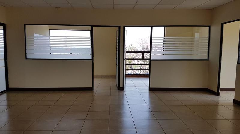Foto Oficina en Renta |  en  Zona 13,  Ciudad de Guatemala  OFICINA EN RENTA EN AVENIDA LAS AMÉRICAS