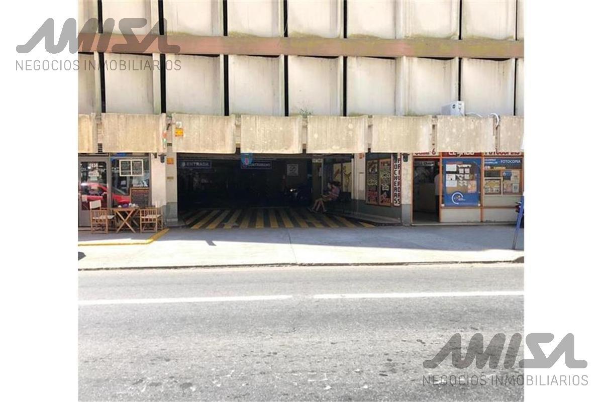 Foto Cochera en Venta en  Centro,  Rosario  San Lorenzo 1030/32/38