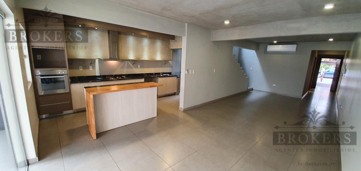 Foto Casa en Alquiler en  Cañada del Ybyray,  Santisima Trinidad  Alquilo Moderno Dúplex De 3 Suites Con Escritorio Y Piscina En Zona El Mangal