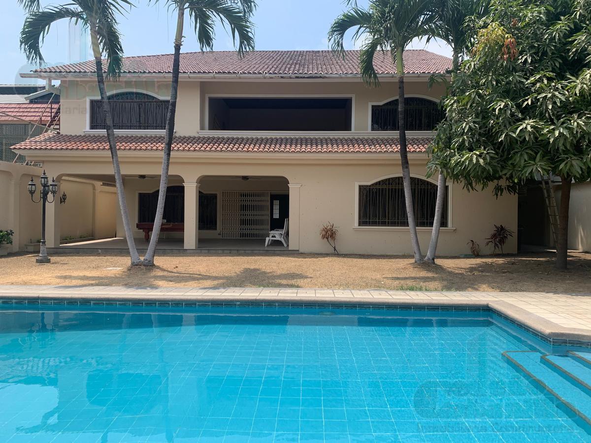 Foto Casa en Alquiler en  Samborondón,  Guayaquil  ALQUILER DE ESPECTACULAR CASA EN LA PUNTILLA