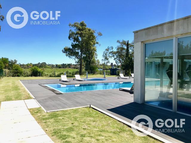 Foto Departamento en Venta en  Carrasco Este ,  Canelones  Unidad 1704 Frente al puente, hermosas vistas, piscina, spa, gym, sauna, vigilancia