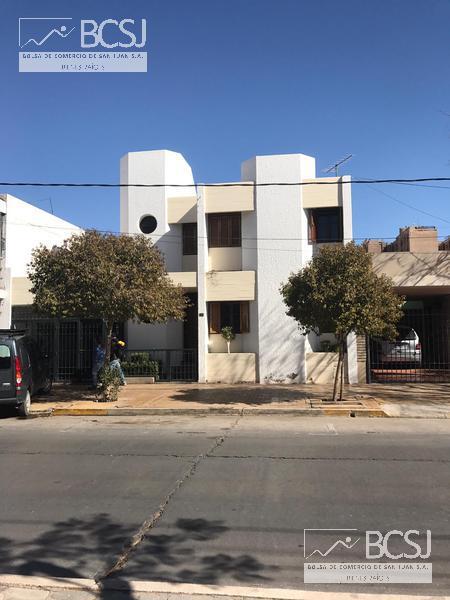 Foto Casa en Venta en  Capital ,  San Juan  Av. Alem al 400