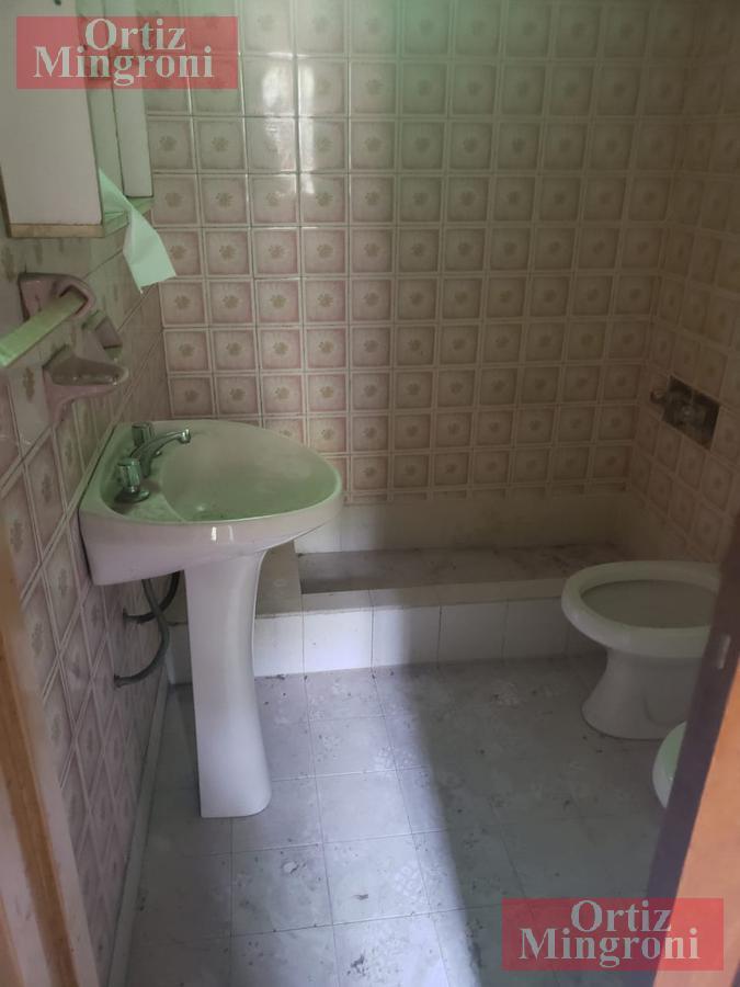 Foto Casa en Venta en  Lomas De Zamora ,  G.B.A. Zona Sur  Fader al 2700