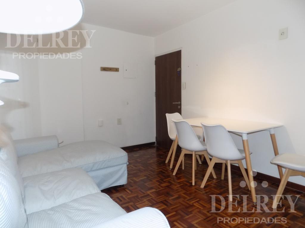 Foto Departamento en Alquiler en  Pocitos ,  Montevideo  Benito Blanco y Bvar España