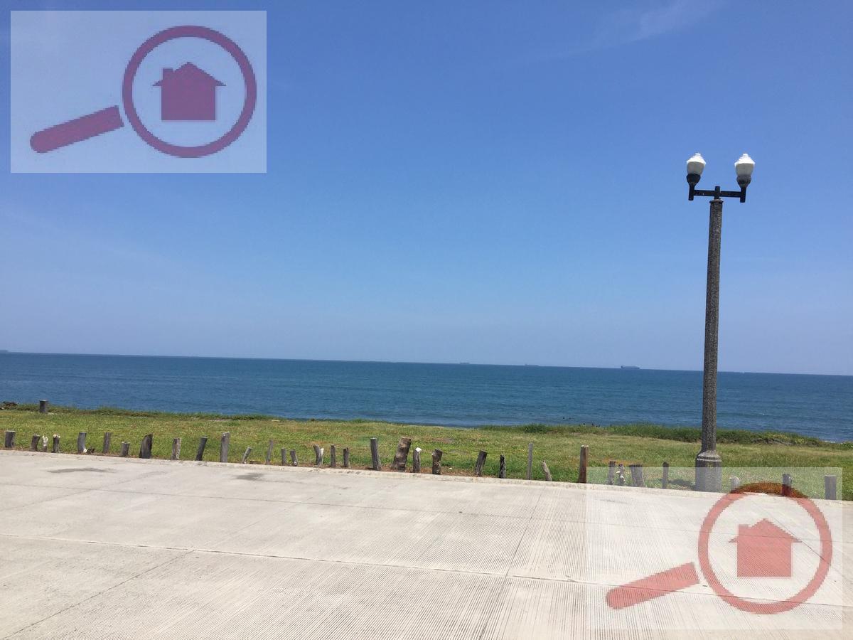 Foto Terreno en Venta en  Fraccionamiento Lomas del Sol,  Alvarado  Terreno frente al mar en Venta Inversionistas para desarrollo vertical o mixto en la Riviera Veracruzana