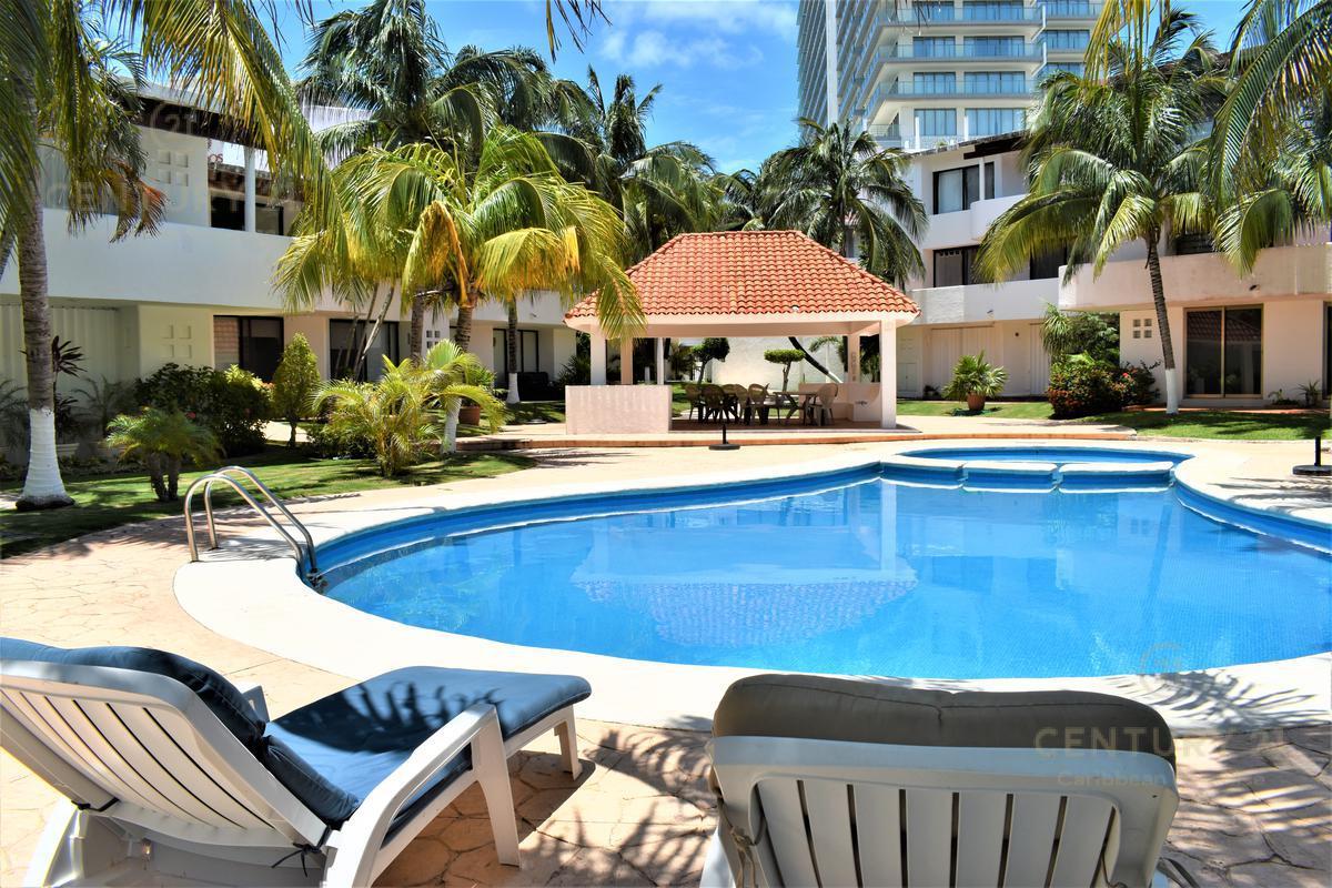 Foto Departamento en Renta en  Quintana Roo ,  Quintana Roo  Condo en Renta Amueblado a 50 mt de la Playa  Zona Hotelera Cancun  C2828