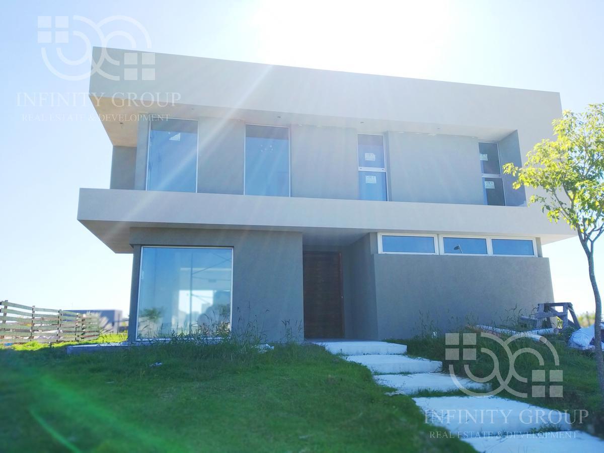 Foto Casa en Venta en  Puertos del Lago,  Countries/B.Cerrado  Escobar, Puertos - Ceibos
