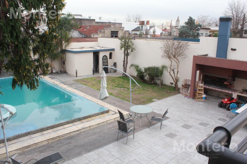 Foto Casa en Venta en  Villa Luro ,  Capital Federal  Victor Hugo al 1000