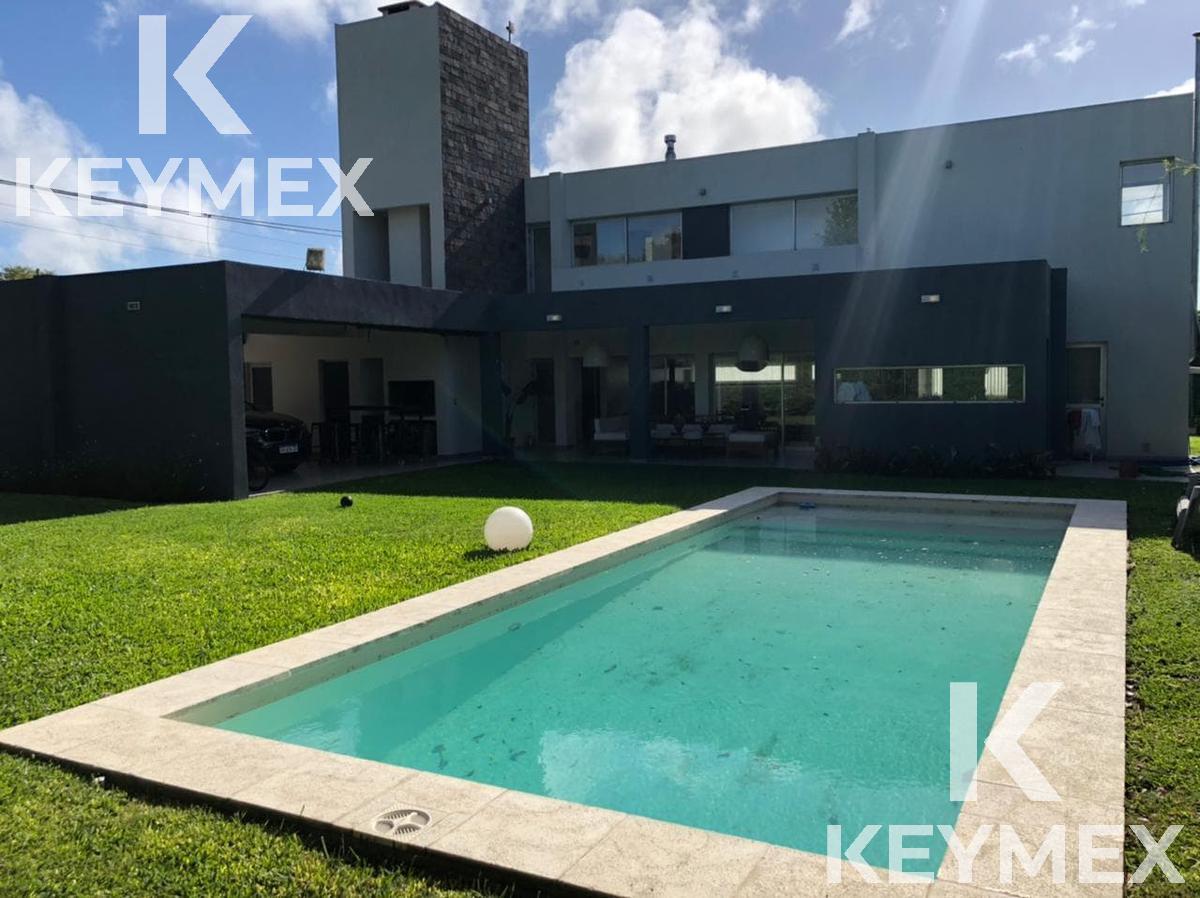 Foto Casa en Venta en  Manuel B Gonnet,  La Plata  Barrio Don Carlos I-Calle 501 y 132