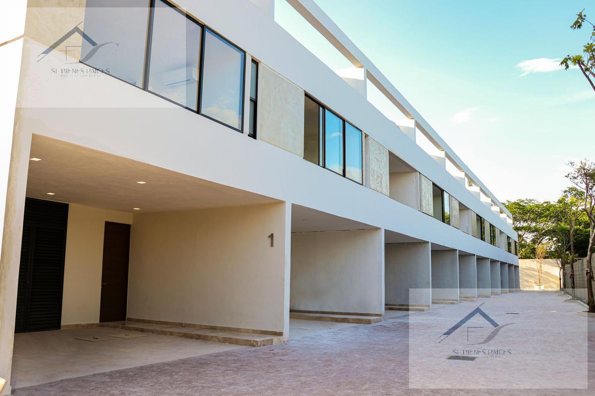 Foto Departamento en Venta    en  Temozon Norte,  Mérida  ¡Ultimo!Town Houses vive tranquilamente mejor zona de la ciudad
