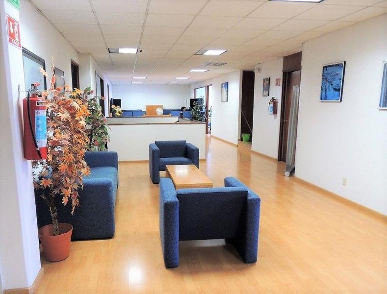 Foto Oficina en Venta en  San Andrés Atoto,  Naucalpan de Juárez  Naucalpan, Oficinas: 725m2 y bodega de 770m2   garages
