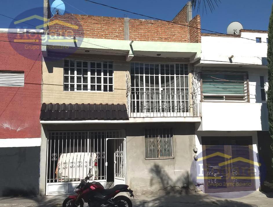 Casa en Venta excelente precio de 6 Recámaras en Vivar II en León, Gto.