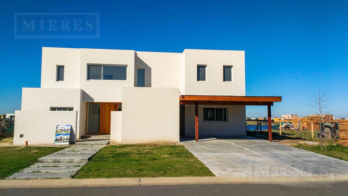 Casa en el barrio San Gabriel, Villanueva A LA LAGUNA!!