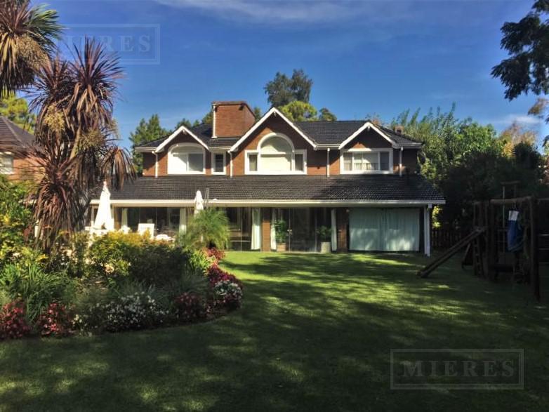 Casa de 380 mts Highland Park C.C.