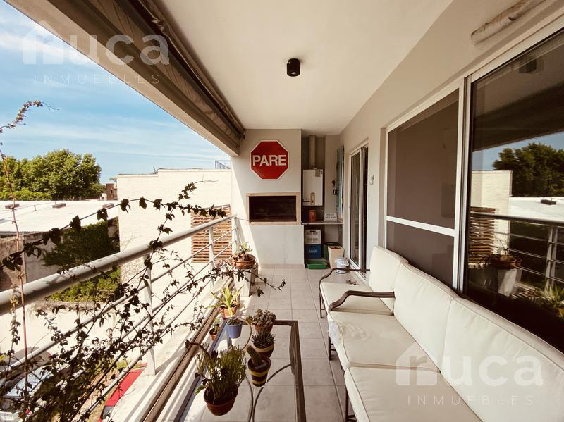 Foto Departamento en Venta en  San Isidro ,  G.B.A. Zona Norte  Excelente departamento de dos dormitorios, amplio y luminoso en la mejor calle de La Calabria!!   Don Bosco al 300