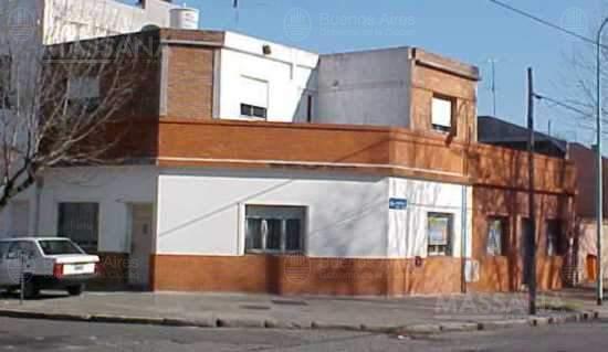 Foto PH en Venta en  Villa Urquiza ,  Capital Federal  Andonaegui al 3100