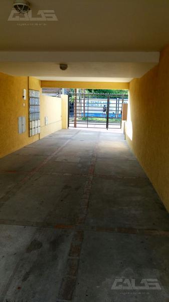 Foto Departamento en Venta en  Moron,  Moron  Aberastain 500