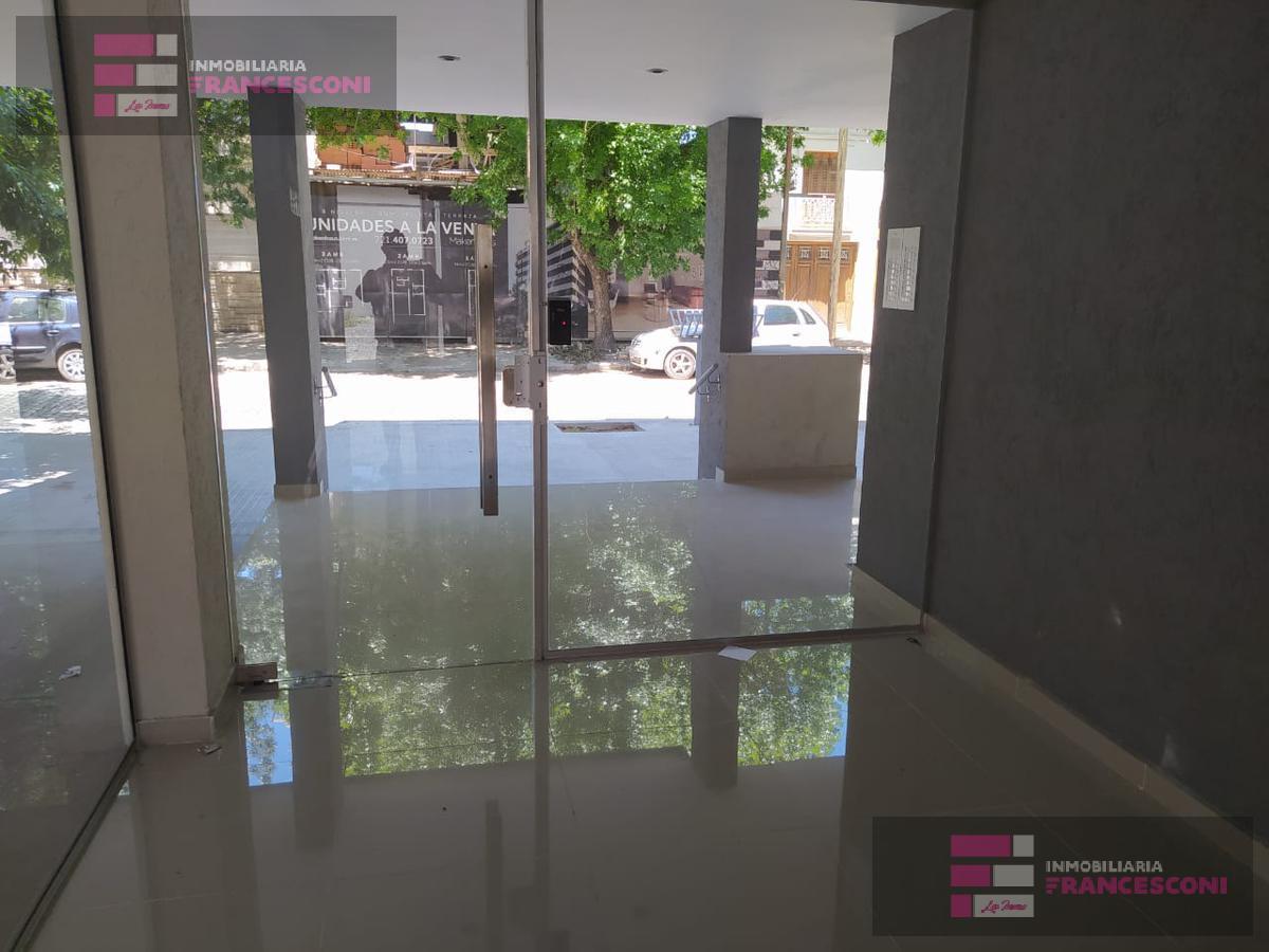 Foto Departamento en Alquiler en  Barrio Norte,  La Plata  39  3 y 4