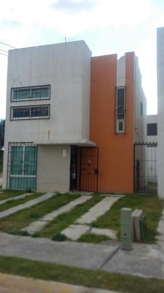 Foto Casa en condominio en Renta |  en  Tenango de Arista,  Tenango del Valle  RESIDENCIAL IBERICA, casa en renta