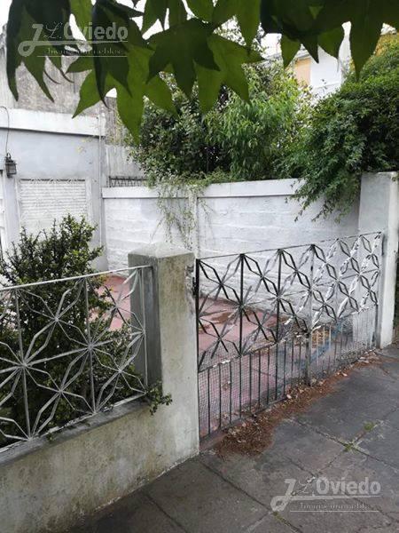 Foto Casa en Venta en  Villa Santos Tesei,  Hurlingham  Roland al 1500