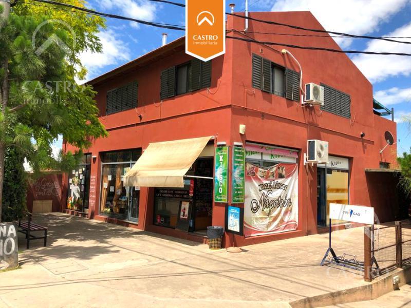 Foto Local en Venta en  Merlo,  Junin  J. Azurduy esquina Presidente Perón