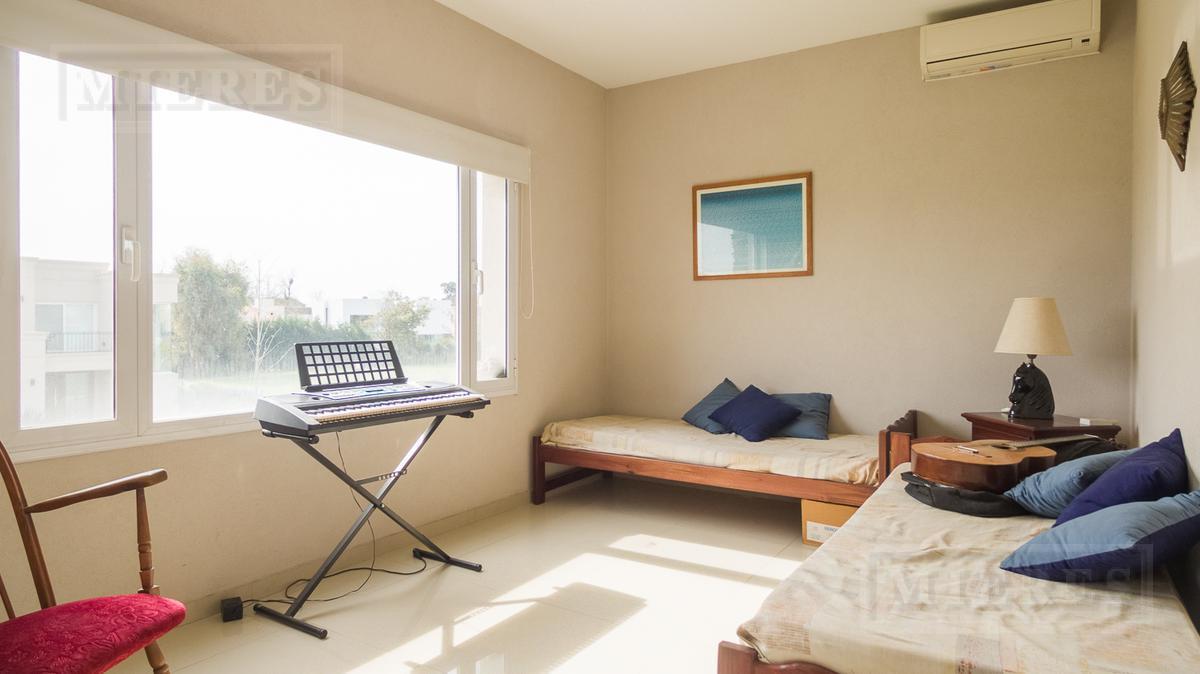 Casa en venta en  Haras Santa Maria  Barrio El Atardecer