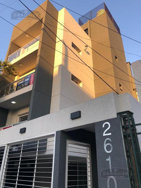 Foto Departamento en Venta en  Lomas De Zamora,  Lomas De Zamora  ALMIRANTE BROWN 2610 3° B