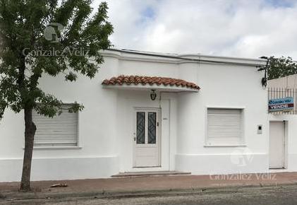 Foto Casa en Alquiler en  Carmelo ,  Colonia  buenos aires entre sarandi y mortalena