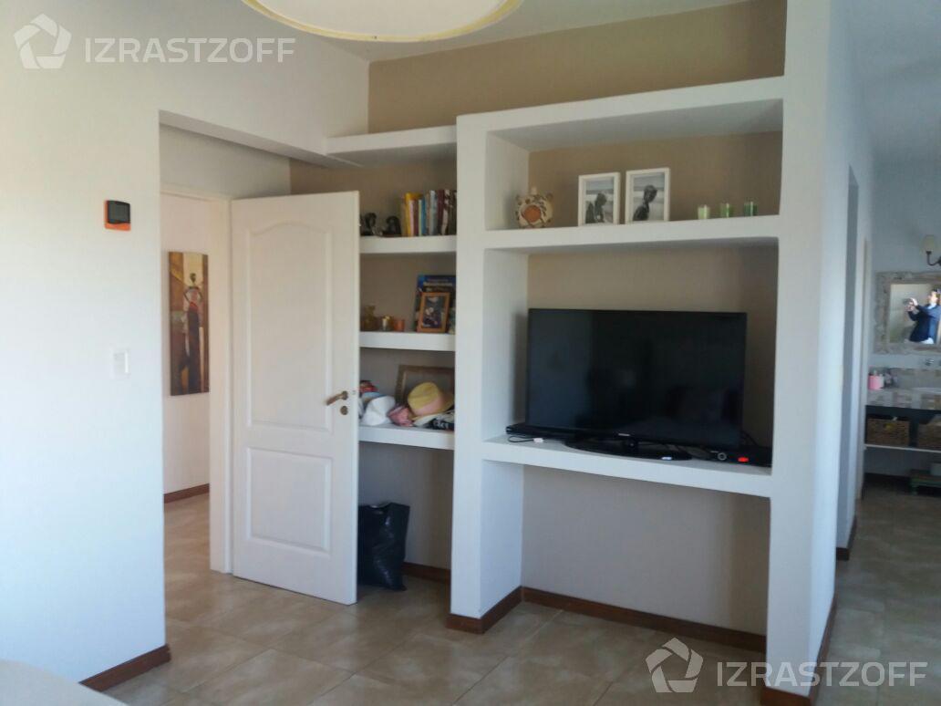 Casa-Venta-Santa Catalina-Impecable casa en venta apto crédito