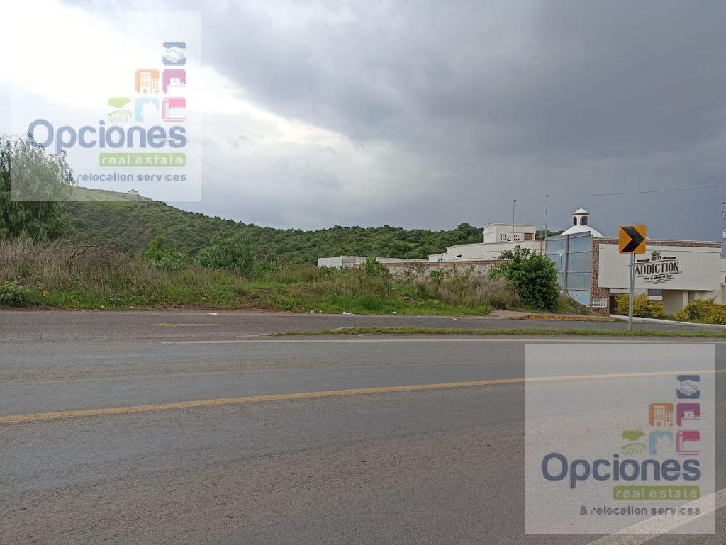 Foto Terreno en Venta en  Salamanca ,  Guanajuato  Carretera Libre Guanajuato - Silao
