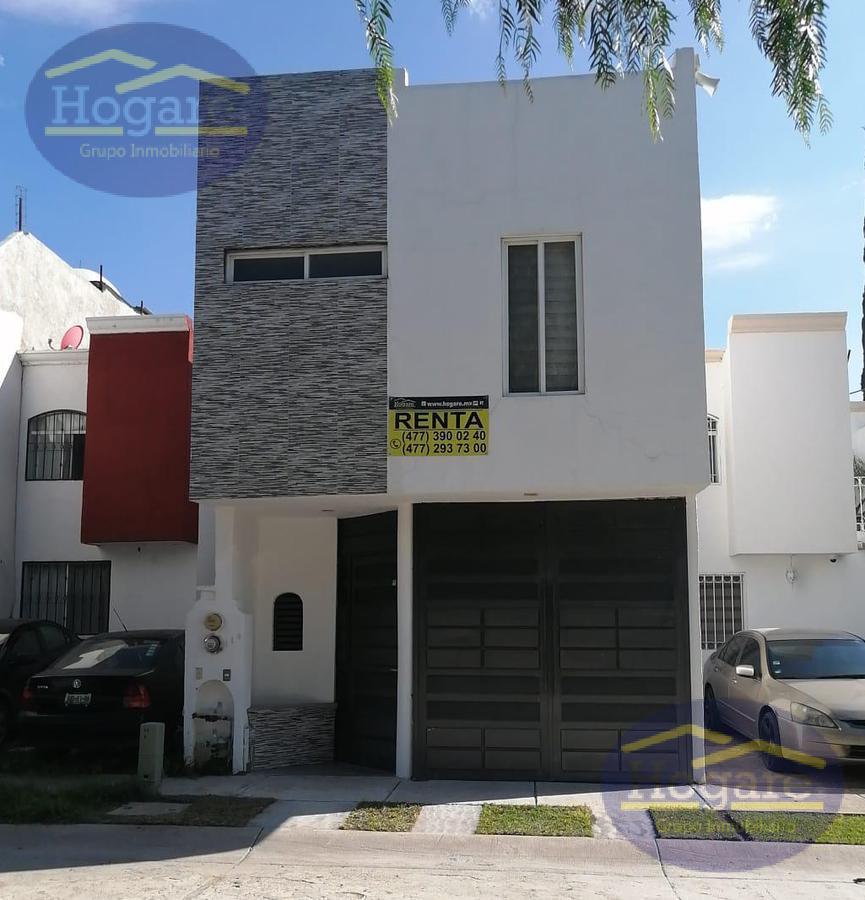 Casa Renta 3 recámaras Privada Brisas del Carmen León Gto