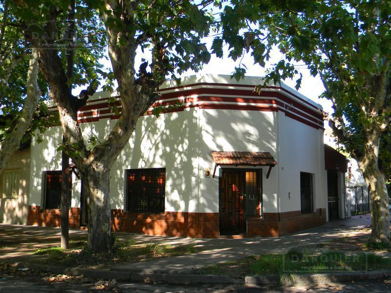 Foto Casa en Venta en  Adrogue,  Almirante Brown  ROSALES 2098