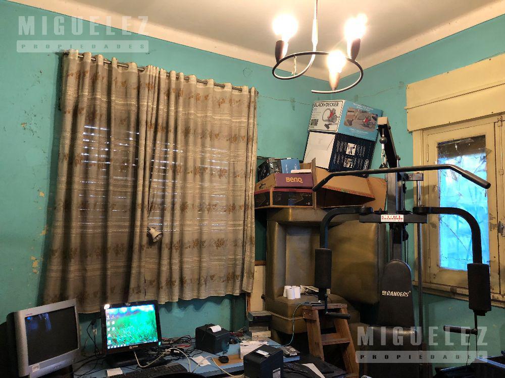 Foto Casa en Venta en  Banfield,  Lomas De Zamora  Rincón 406