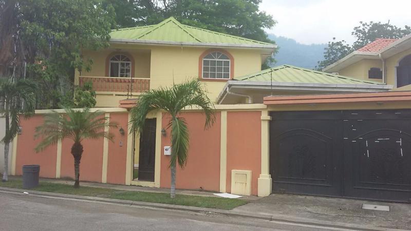 Foto Casa en condominio en Venta en  Los Cedros,  San Pedro Sula  Venta de Casa Res. Los Cedros