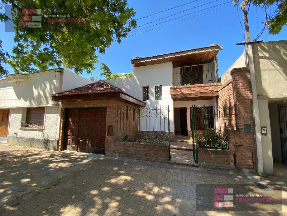 Foto Casa en Venta en  Zona Sur,  La Plata  26 34 y 35
