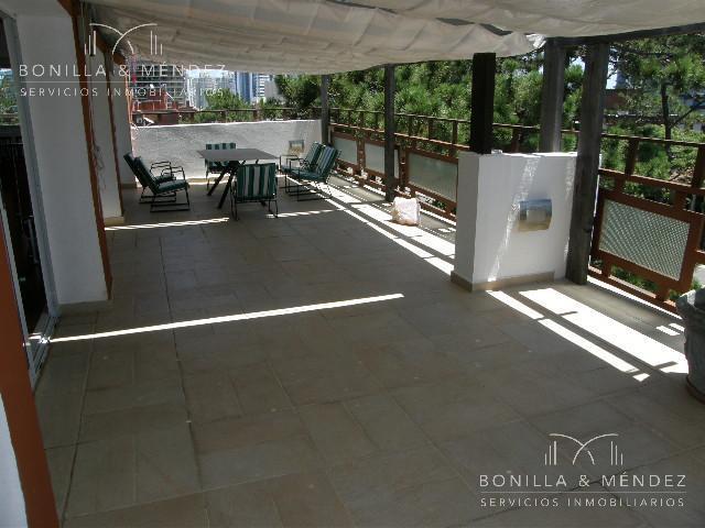 Foto Departamento en Alquiler en  Aidy Grill,  Punta del Este  Avda. Italia y Pampas