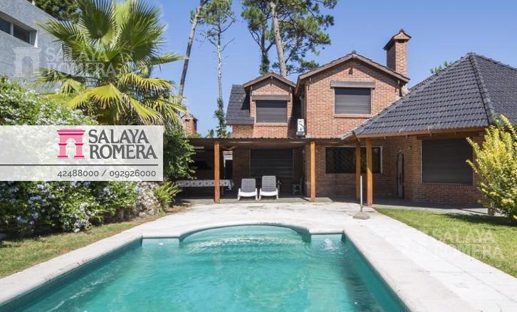 Foto Casa en Alquiler en  Playa Mansa,  Punta del Este  Alquiler  Casa en Playa Mansa, 5 dormitorios, piscina