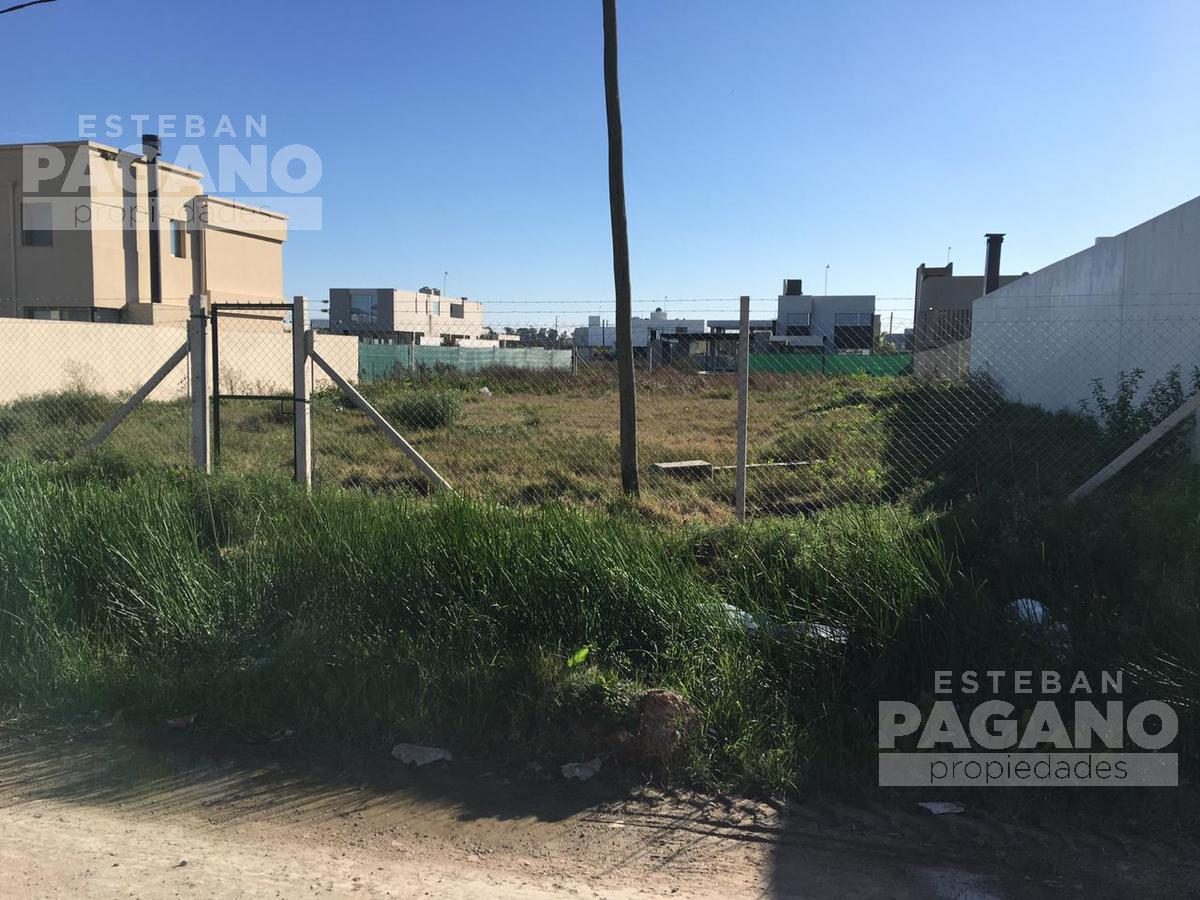 Foto Terreno en Venta en  City Bell,  La Plata      463 e 9 y 10  Barrio el Quimilar
