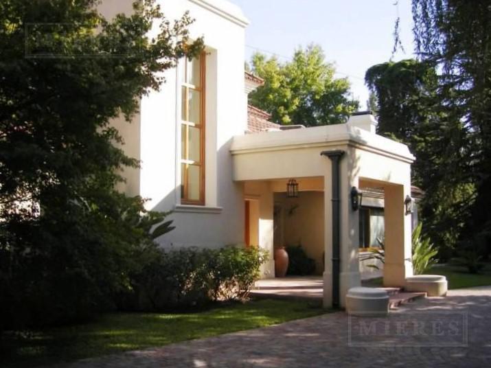 Casa de 1013 mts en Highland Park C.C.
