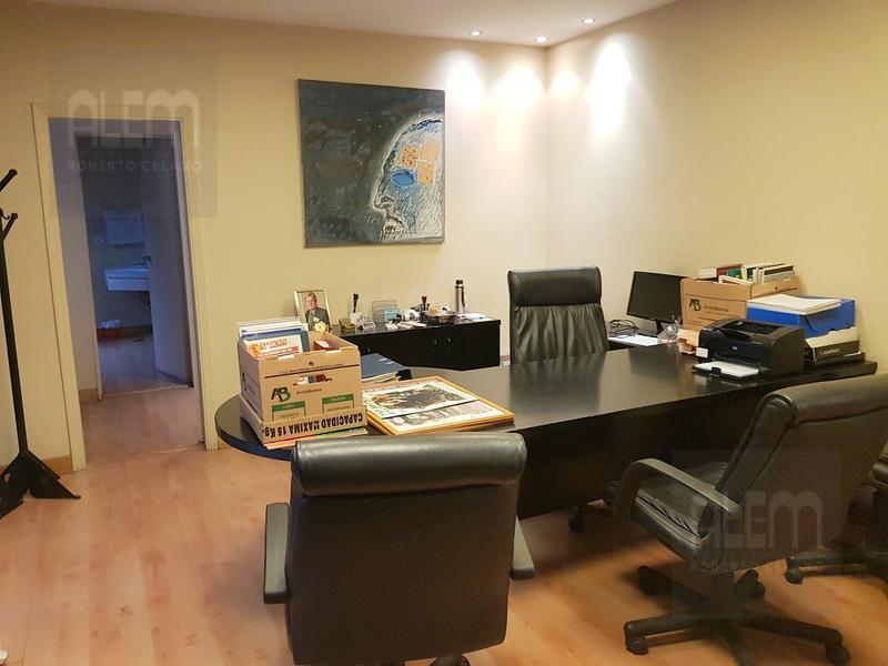 Foto Oficina en Alquiler en  Microcentro,  Centro (Capital Federal)  Chacabuco al 300