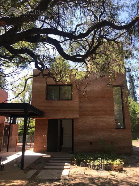 Foto Casa en Venta |  en  Villa Allende Golf,  Villa Allende  Lisboa esquina Av Argentina