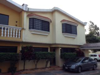 Foto Casa en Renta en  Petrolera,  Coatzacoalcos  Se Renta Casa, Nuevo León, Col. Petrolera.