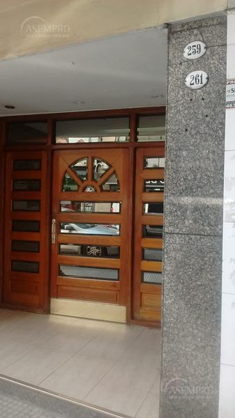 Foto Departamento en Alquiler en  Balvanera ,  Capital Federal  Castelli al 200