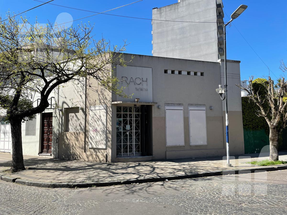Foto Local en Alquiler en  La Plata ,  G.B.A. Zona Sur  4 y 58
