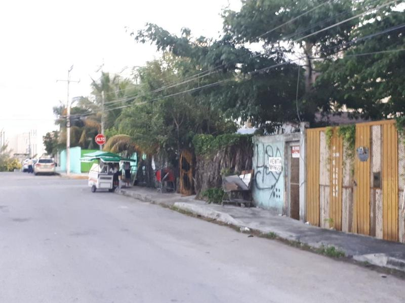 Foto Terreno en Venta en  Luis Donaldo Colosio,  Solidaridad  TERRENO CERCA DEL MAR ZONA COLOSIO PLAYA DEL CARMEN C2432