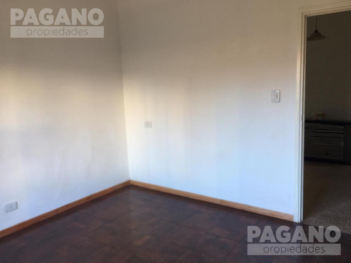 Foto PH en Venta en  Microcentro,  La Plata  10 e/ 49 y 50 nº 886