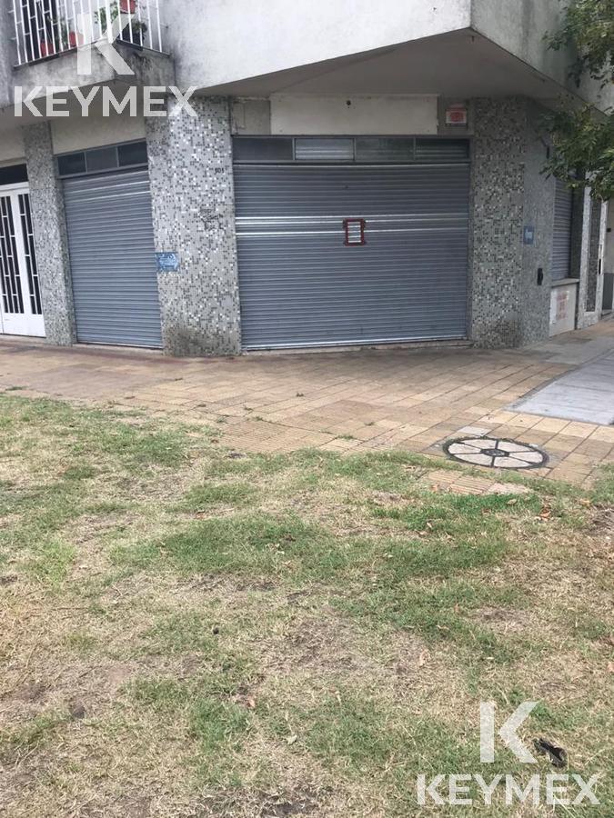 Foto Local en Alquiler en  La Plata,  La Plata  Local calle 531 esquina 120