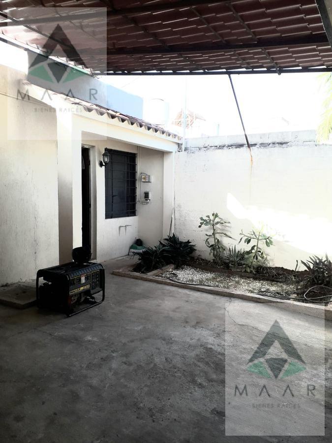 Foto Casa en Venta en  Región 505,  Cancún  Se Vende Casa en Cancún Fraccionamiento  La Luna Reg 505