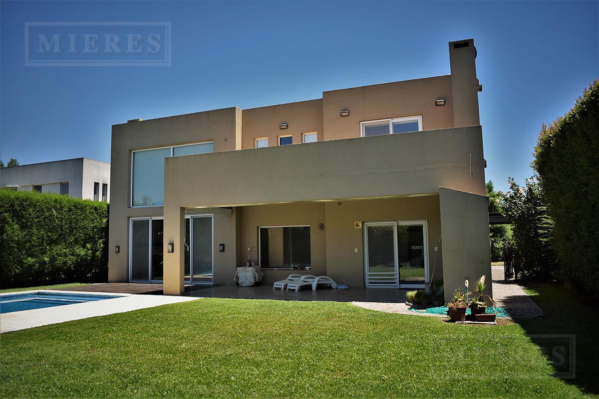 MIERES PROPIEDADES - Casa de 274 mts en Villa Olivos